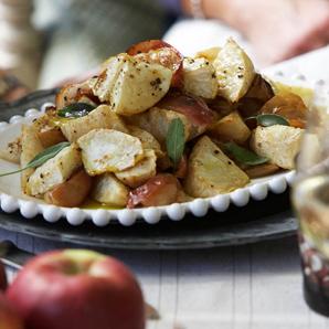 Pommes et céleris-raves rôtis à la sauge